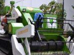 mesin Combine Harvester