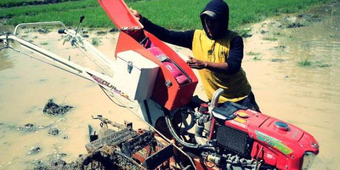 Traktor Tangan